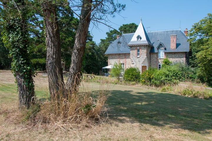 For 8 peopl manor Sables d'Olonne