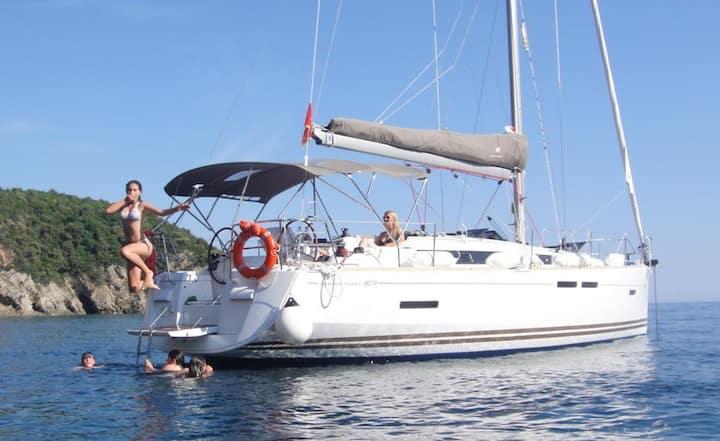 Cruising sailing yacht Samui, Phangan, Koh Tao