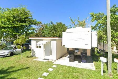 Cozy Cottage *Short/Long Term *10 Min from Beach