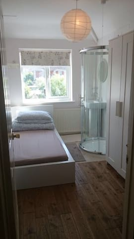 Single bedroom with your own shower - Guildford