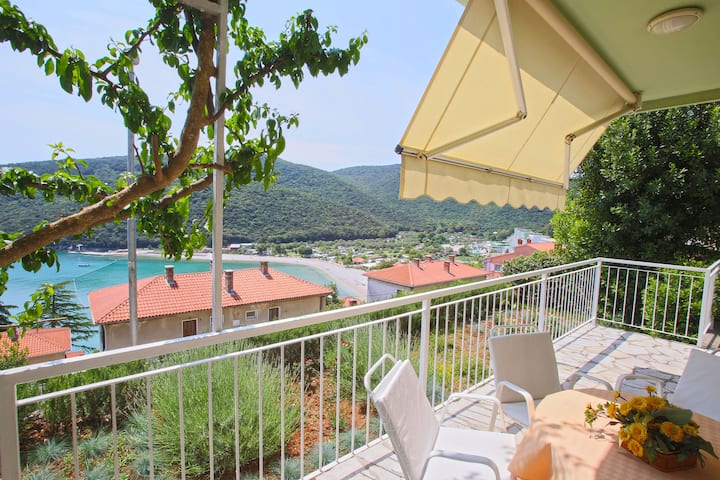 2 BDR app 200 meters from the beach, WiFi