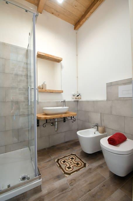 bagno privato camera sindria