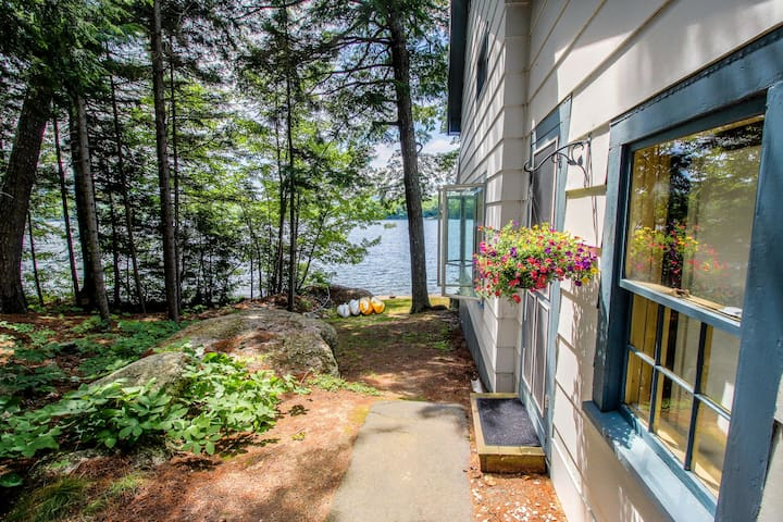 Charming lakefront cottage w/ kayaks, a dock, 2 decks & lovely views!