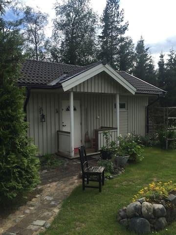 Stuga med utsikt över Västerfjärden - Umeå