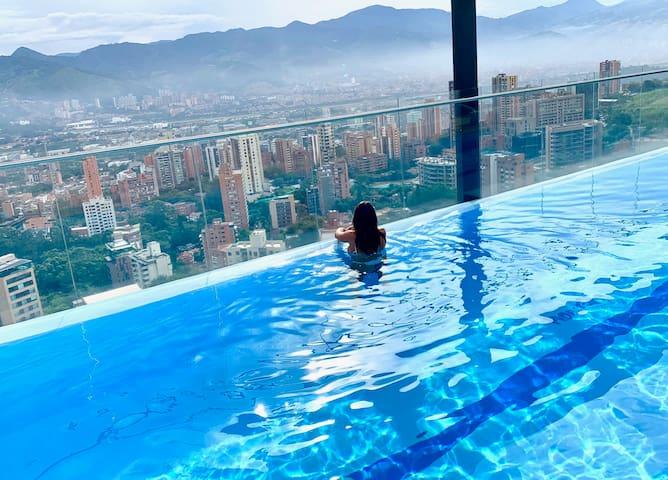 2BD Luxury Condo with Swimming Pool & Balcony -804