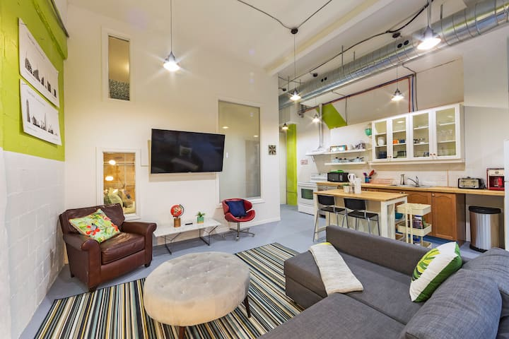 Amazing 4BR Loft in downtown Toronto