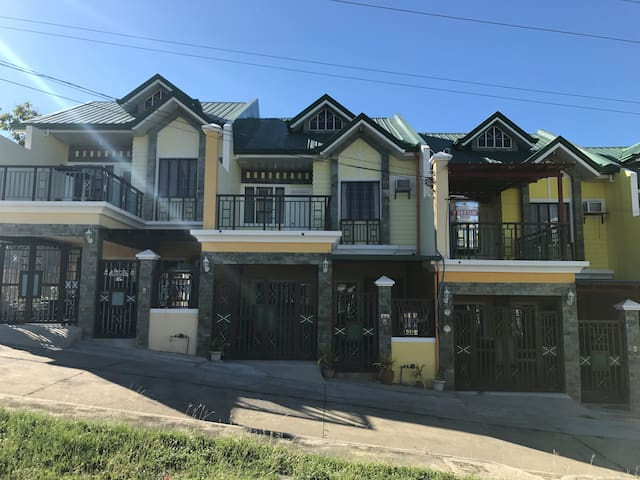 Family Room - Papang Cet's Guest House – Vigan