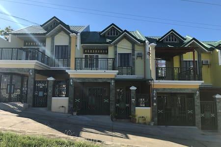 Family Room - Papang Cet's Guest House – Vigan - Vigan City