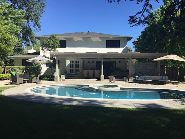 Casual Luxury living St Helena - Remodeled w/ Pool