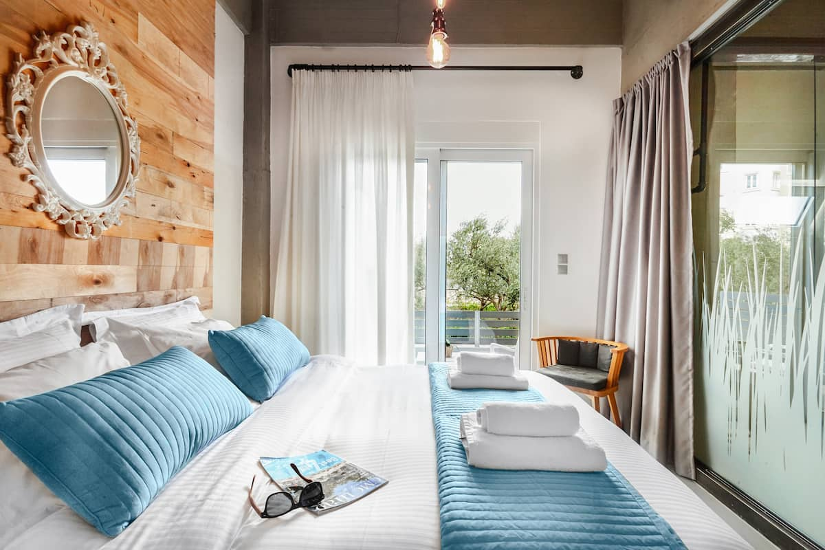 Urban Living with a Rustic Touch at a Chic Retreat