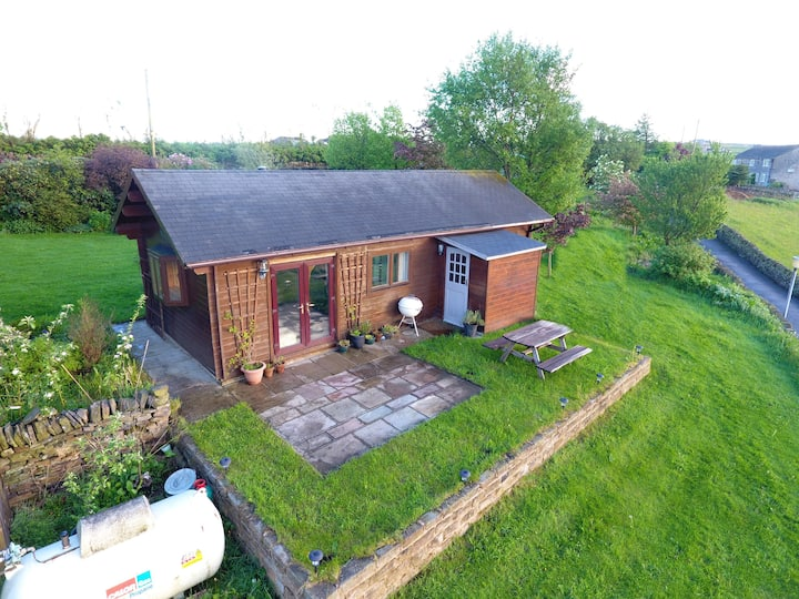 Log cabin in stunning location , panoramic view