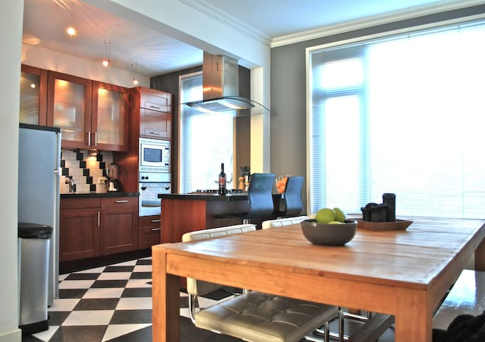 Amazing apartment close to harbour and beach