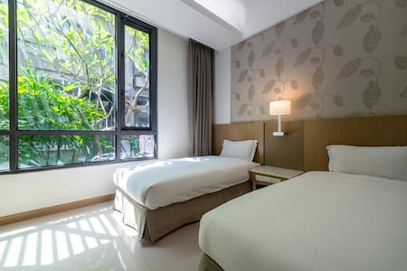 Chiayi Rest (201): A cozy room for two