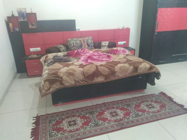 King doublebedroom with attach bathroom Rs. 1500 per night