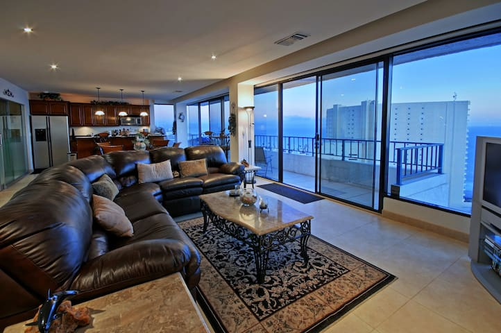 Calafia Penthouse- Spectacular Views $178/ngt - Росарито - Квартира