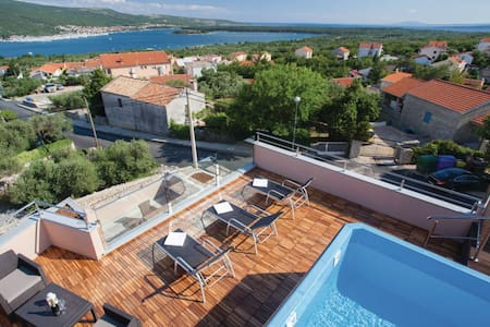 4 Bedrooms Home in Kornic - Kornic