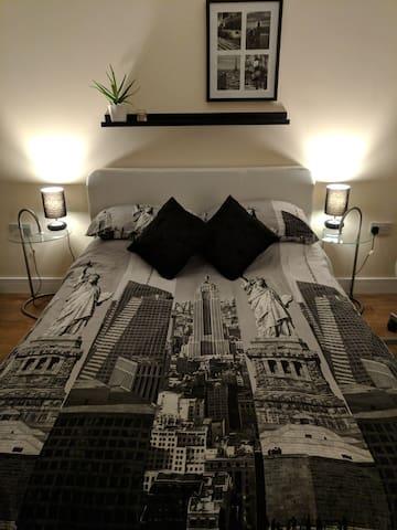 Private Black & White Double Bedroom