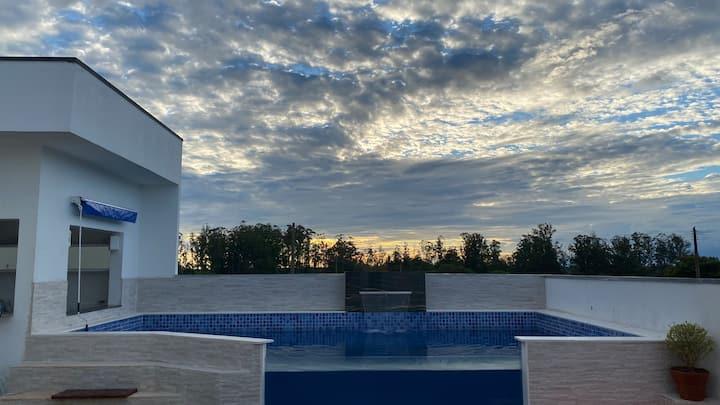 Casa térrea com piscina! Renove sua energia🍃♥️