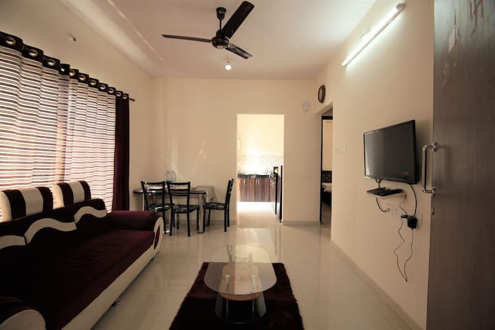 Luxurious 2bhk in Powai near Hiranandani