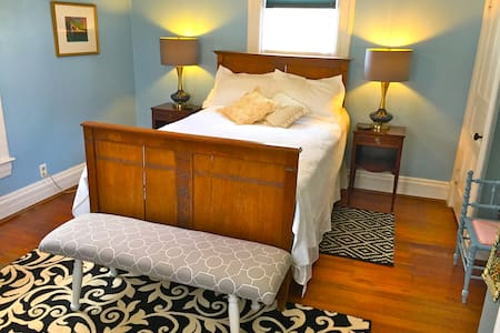 Beautiful Room in Historic Milford - Milford - Hus