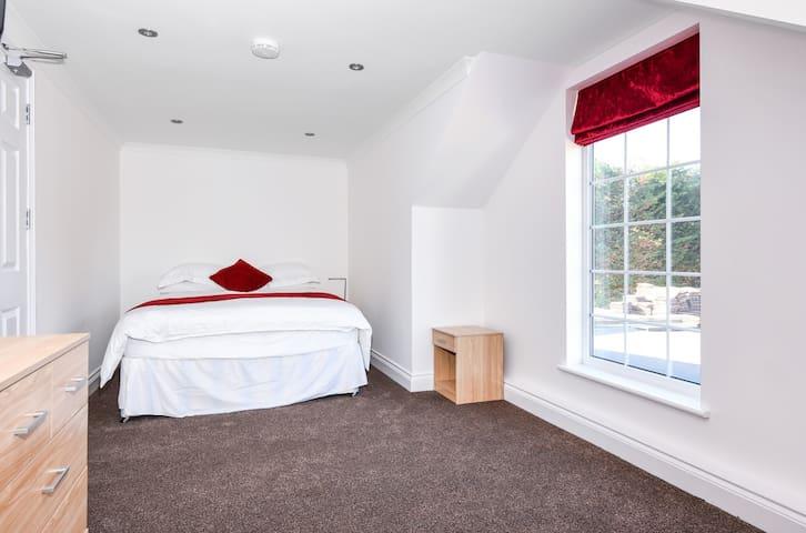 Sheilin House room #2