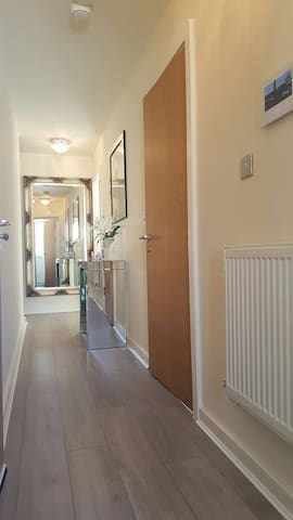 Large 6 bedroom modern apartment - Liverpool - Apartment