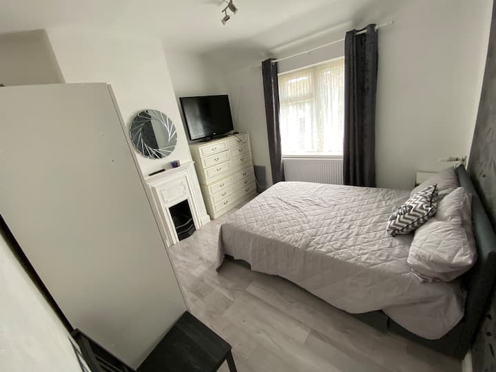 Modern Room in East London
