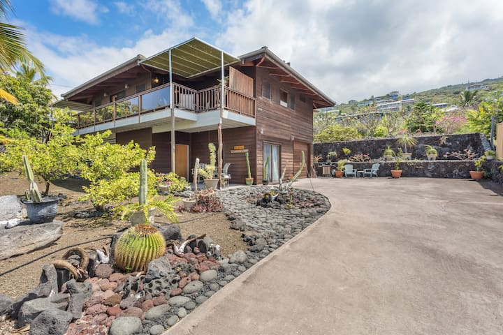 New Listing! Romantic Tropical Home!