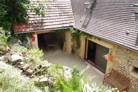 Charmante maison familiale typique du Périgord - Badefols-sur-Dordogne