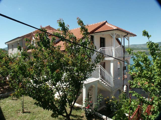 One bedroom apartment with terrace and sea view Mastrinka, Čiovo (A-2050-a) - Mastrinka
