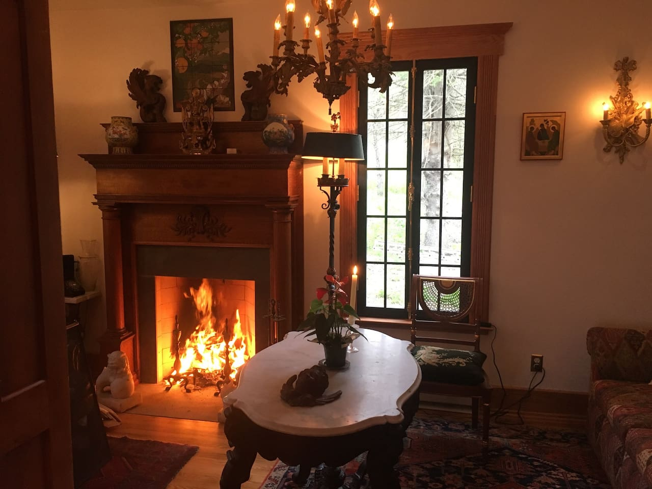 Common fireplace in the first floor of the Falls house