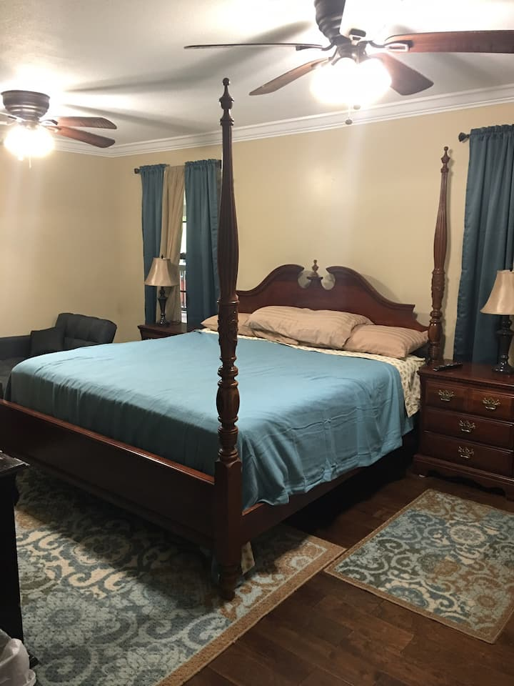 Private King Suite close to Obed River (Room #2)