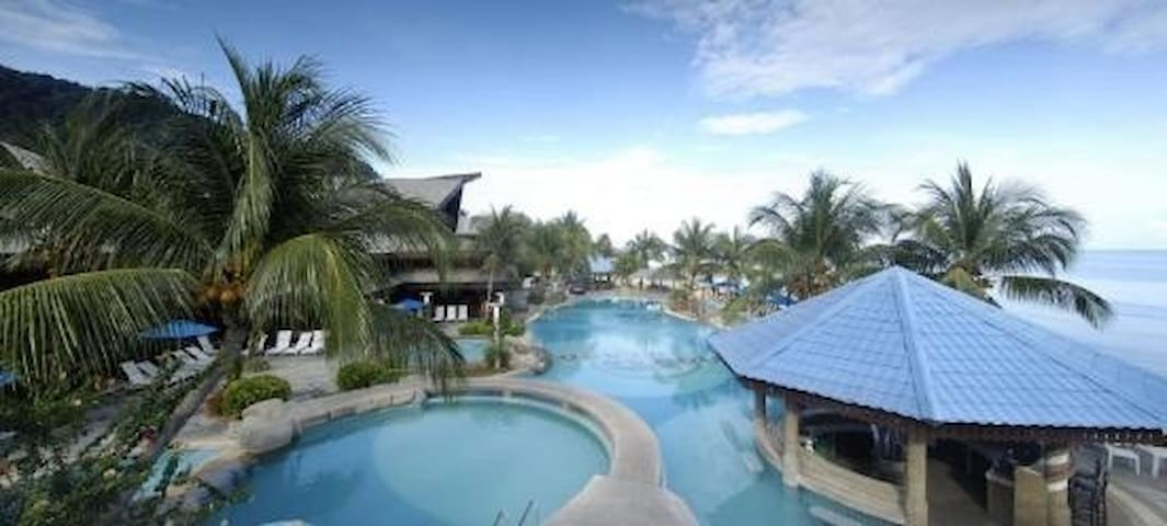 4 STAR TIOMAN RESORT SUPERIOR CHALET