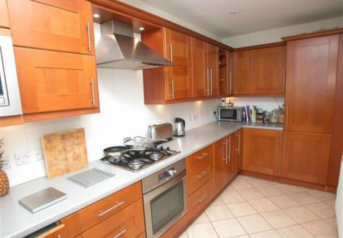 D/Bed en-suite, Oxton, Wirral - Birkenhead - Apartment