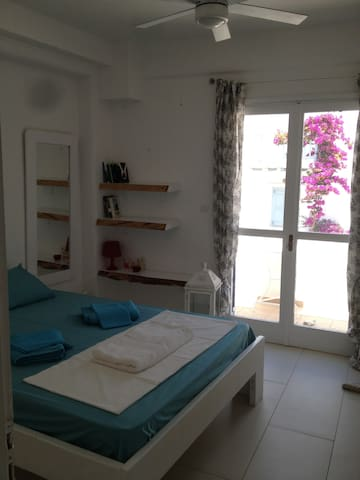 Modern,3minswalk to the beach,wifi - Platis Gialos - Apartamento