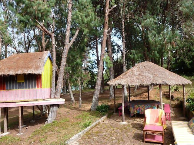 maison au bord du lac Mantasoa - Mantasoa - Hus