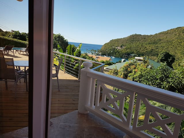 CASAVISTA-SUPERB HIDEAWAY/AMAZING VIEWS/RELAX STAY