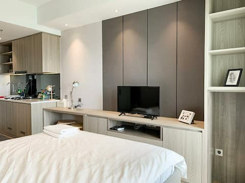 Quality Studio Apartment, FREE WIFI, New Interior!