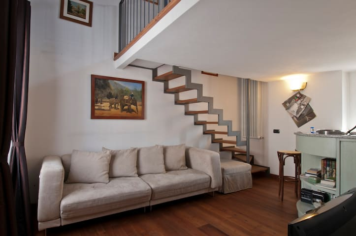 Glam Apartment in Navigli Area