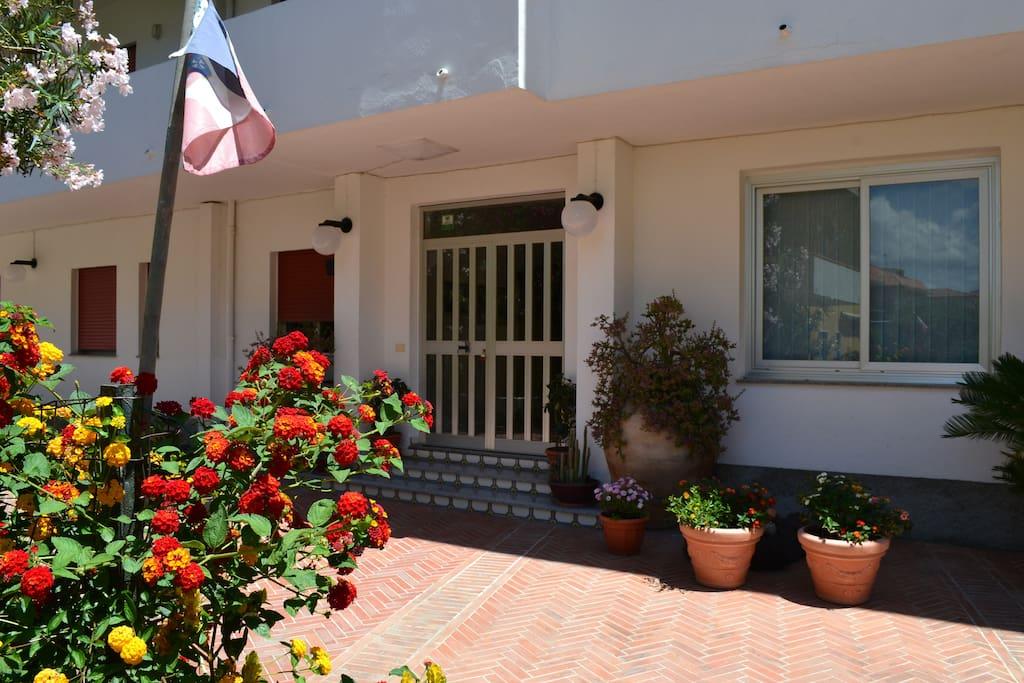 Casa vacanze margherita tonnarella appartamenti in for Seminterrato finito in affitto vicino a me