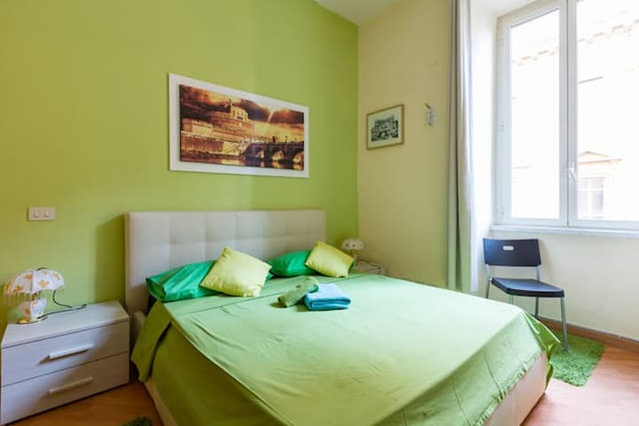 ROOM DOUBLE  near  STATION TERMINI - umberto - Rome - Hus