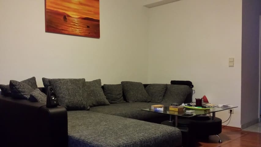 Very central, cosy flat with flair