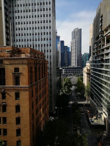 Collins Street: Love the Location!!