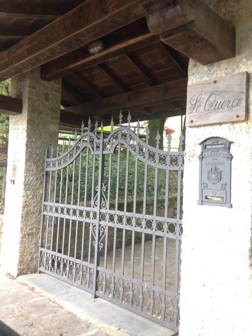 Il cancello di ingresso