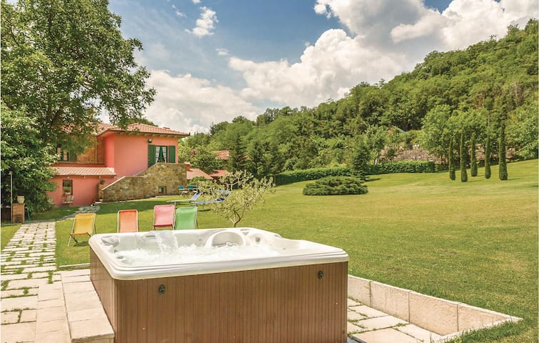 Holiday cottage with 4 bedrooms on 200m² in Partina  AR