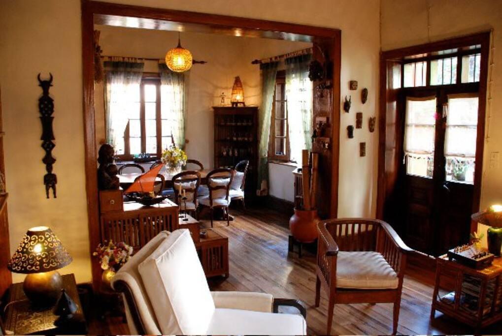 Authentique  maison traditionnelle malgache, tout en brique et de boiserie ...Chez Aïna