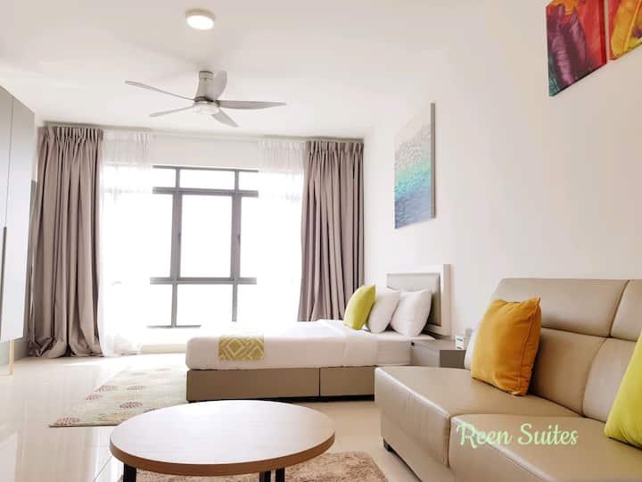 Reen Suites @ EVO Bangi | 2 pax | WIFI | Pool