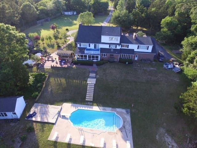 Georgian Colonial 3,  Private Lake, pool, Nature - Marmora