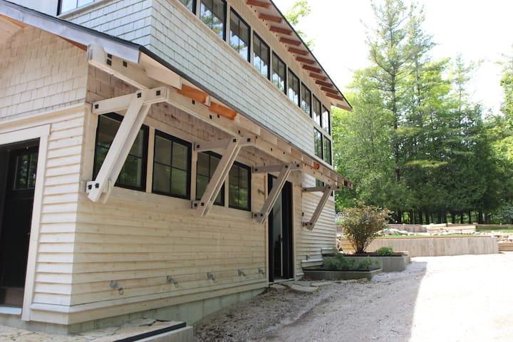 Ellison Bay Eclectic Style Cottage