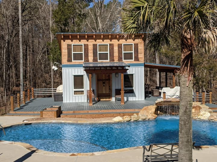 New Chapin Cottage with Pool...The Sqerly Nest